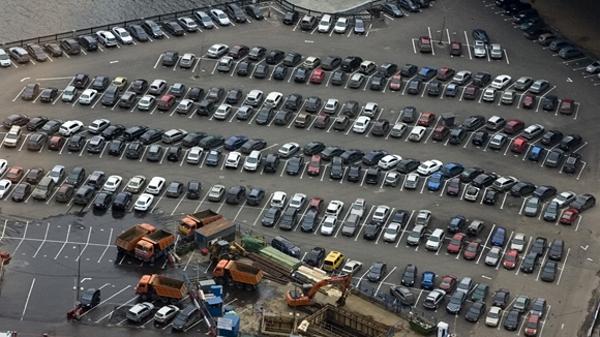 Парковки оборудуют системами видеонаблюдения