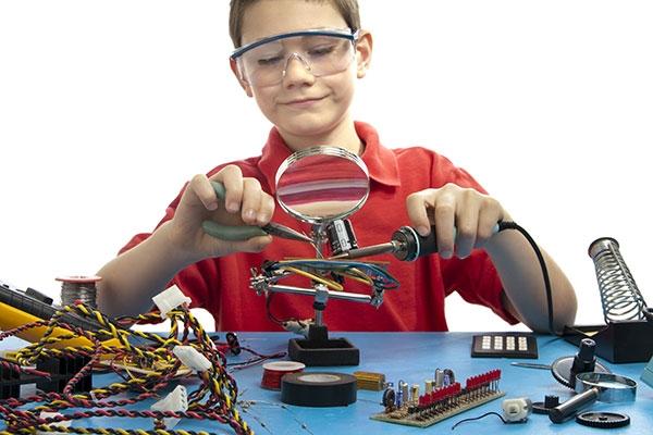Юные техники и изобретатели