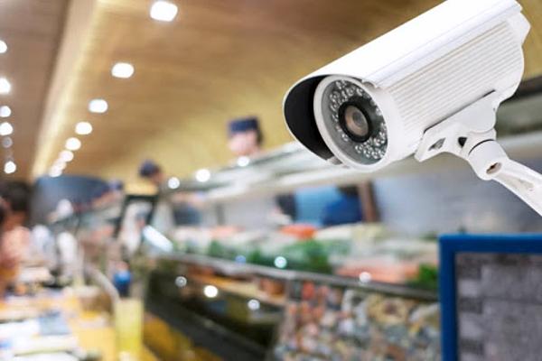 Камеры видеонаблюдения в магазинах